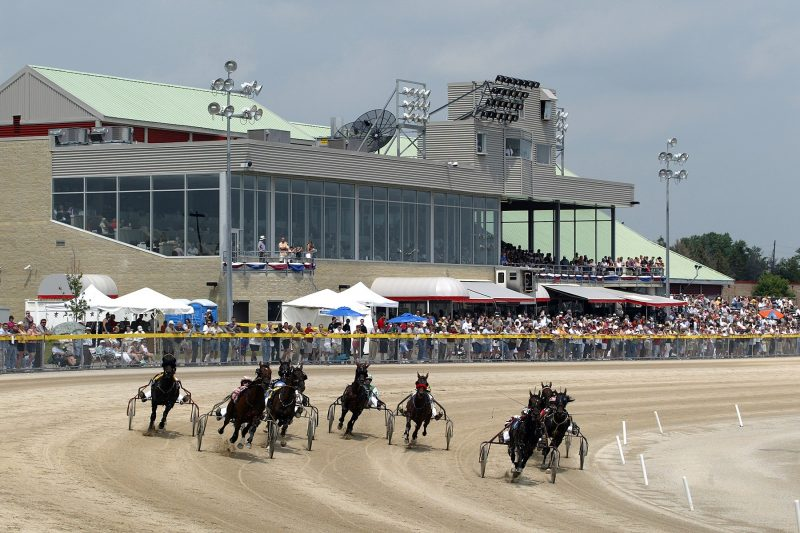 standardbred horse racing at Grand River Raceway