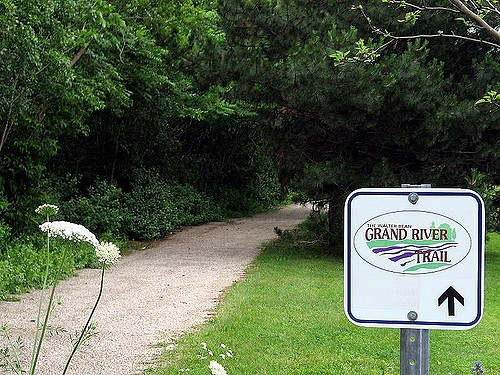 sign at the beginning of the Grand River Trails