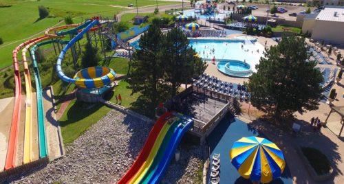 5 Waterparks in Ontario You and Your Teen Will Love