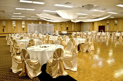 Marshall Hall decorated for a wedding at Bingemans Conference and Convention Centre