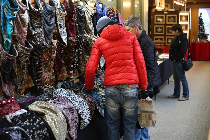 shoppers at the Cambridge Christmas Market