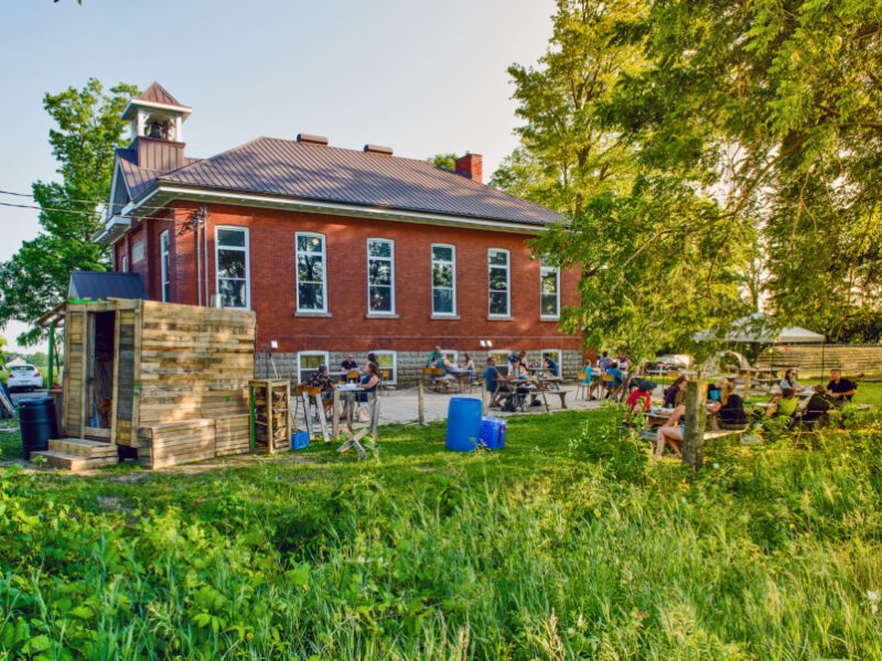 This guy turned his farm into a pop-up picnic spot: 1909 Culinary Academy
